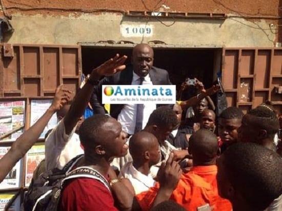 Manifestation d'élèves: voici comment le ministre Gassama Diaby a fait éviter le pire au Commissariat central de Kaloum
