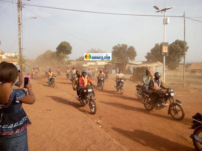L'assassinat d'un conducteur de taxi moto déclenche la colère des hommes du secteur