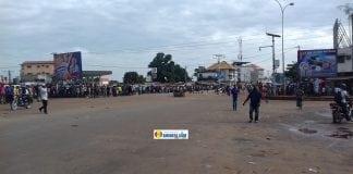Dans une déserte de Cosa, lieu de départ de la manifestation de 'opposition