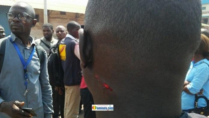 Un journaliste violemment bastonné par des gendarmes2