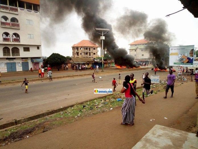 Violentes manifestations à Koloma