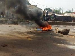 Violentes manifestations des élèves sur l'axe Hamdallaye-Cosa