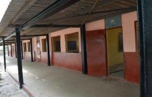 une école à Kamsar