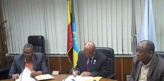 Oyé Guilavogui, ministre d'Etat aux transports lors de la signature d'un accord de partenariat à Addis Abebas