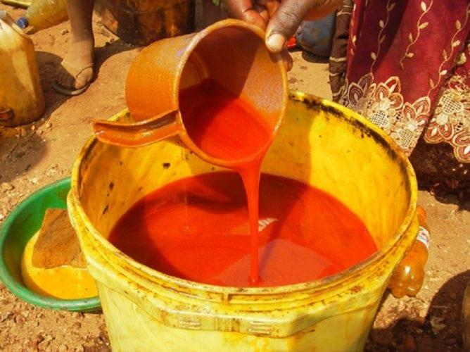 L'huile de palme vendu au marché (photo d'illustration)