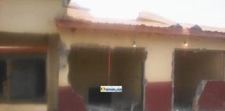 Une maison détruite par des gendarmes à Koloma