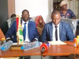Le groupe des démissionnaires du parti AFIA lors d'une conférence de presse