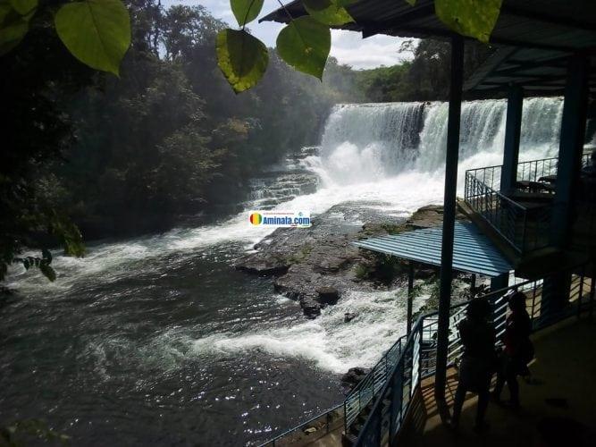 Les cascades de Soumba dans la commune rurale de Khorira à Dubreka