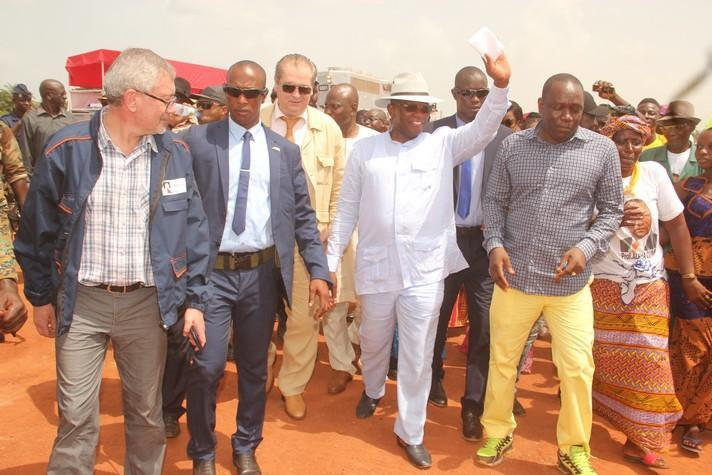 Le Premier ministre Kassory Fofana visite les installations de COBAD-RUSAL