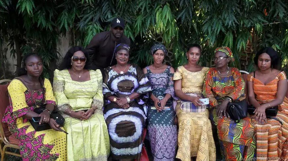 Photo de groupe des femmes des partis politiques de l'opposition
