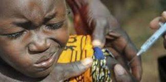 Un enfant en train d'être vacciné. Les nations-unies craignent les conséquence de stagnation de vaccination en Afrique