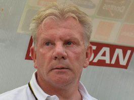 L'entraîneur du Syli national, Paul Put dans des sales draps