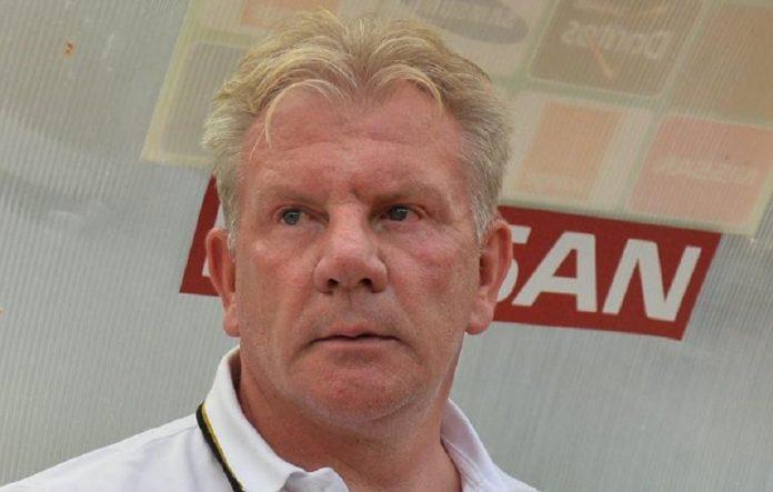 L'ancien entraîneur du Syli national, Paul Put dans des sales draps