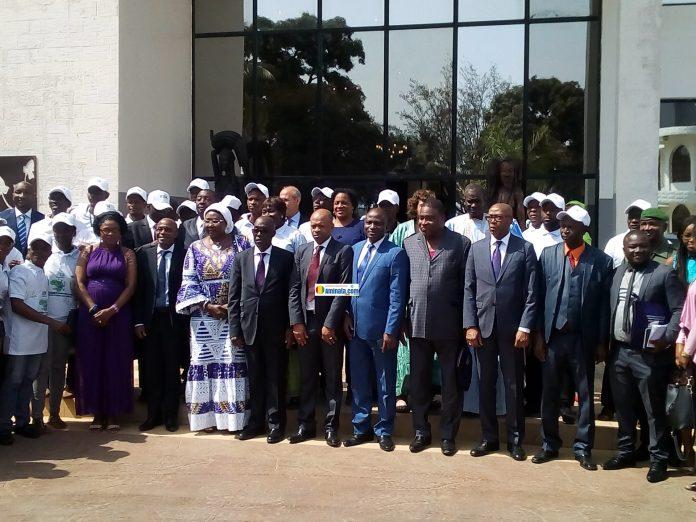 Les ministres Mohamed Diané, Yéro Baldé, Lansana Komara et Mory Sangaré lors du forum des personnes sourdes