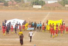 Des joueurs avant l'ouverture du match du tournoi doté du trophée KPC