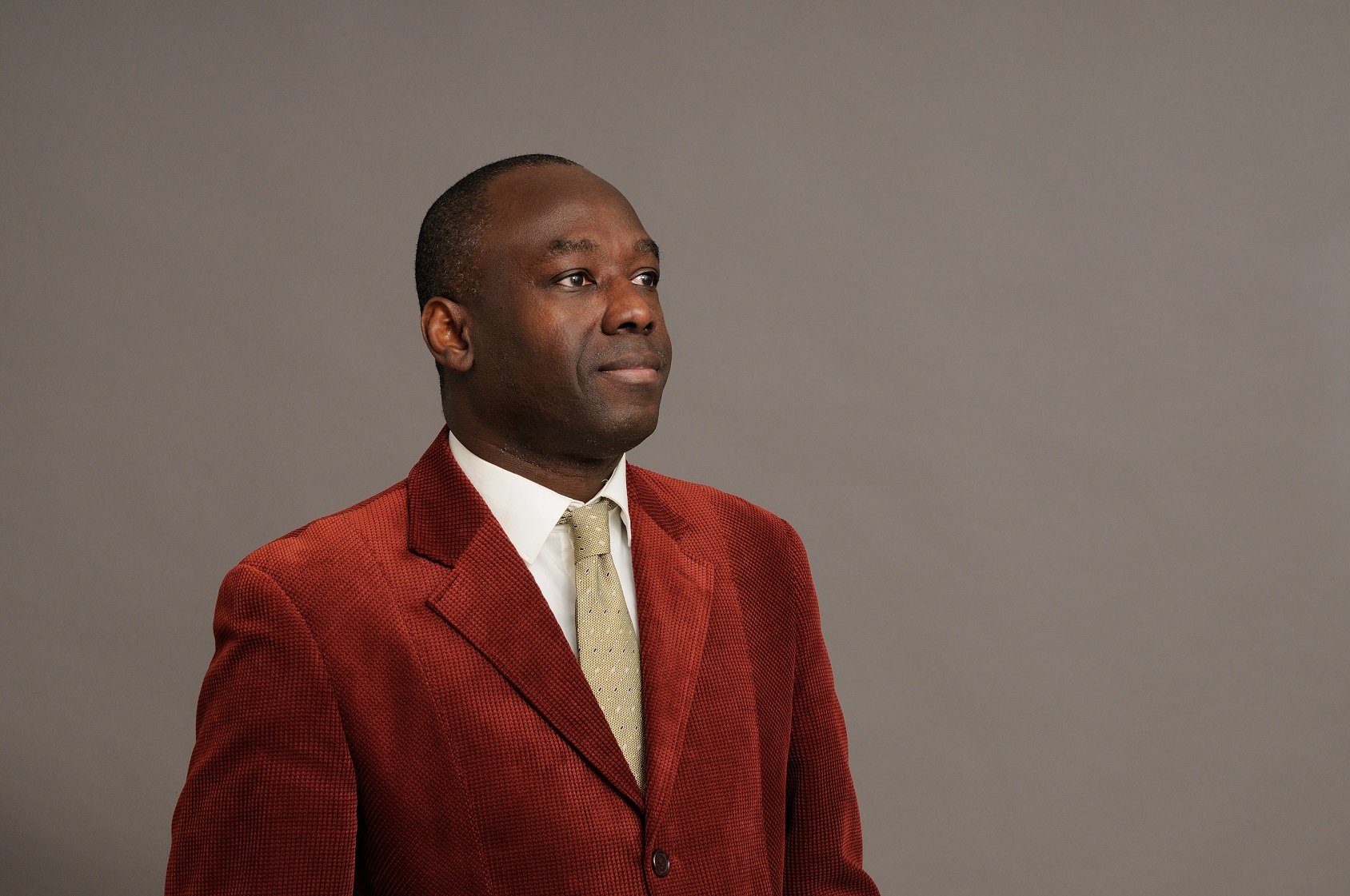 Ibrahima BAH, docteur en Sciences Économiques de l'Université de Montpellier I – auteur de manuels scolaires et professionnels en Économie