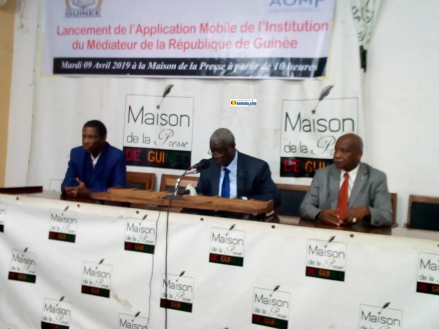 Lors du lancement l'application mobile de l'Institution Médiateur de la République à la maison de la presse