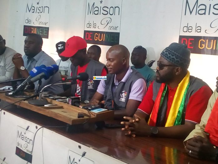 Des membres du front anti-3e mandat lors d'une conférence à la maison de la presse