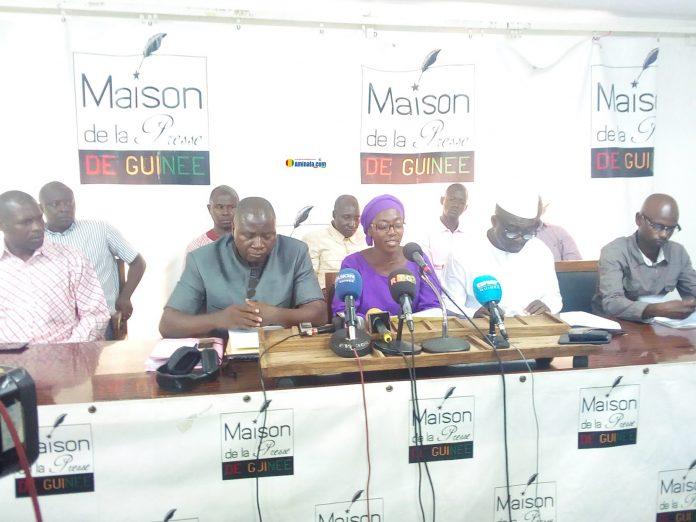 Des membres de la coalition nationale des organisations de la Société civile lors d'une conférence de presse à la maison de la presse