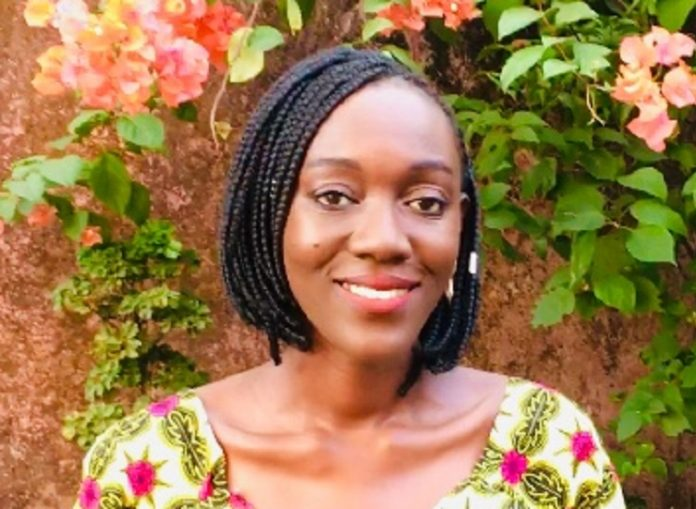 Maïmouna Camara, auteure du roman Tant que le soleil brillera