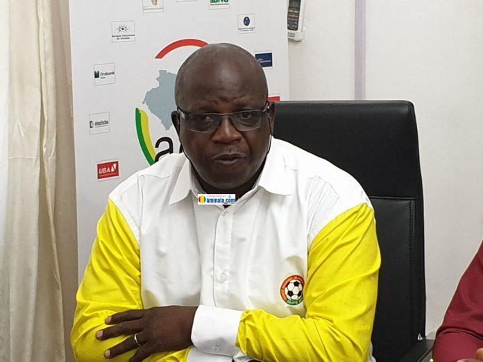 Lucien Beindou Guilao ancien joueur du Syli national de Guinée, ancien ministre, actuel directeur général de l'Office national de perfectionnement professionnel (ONFPP)