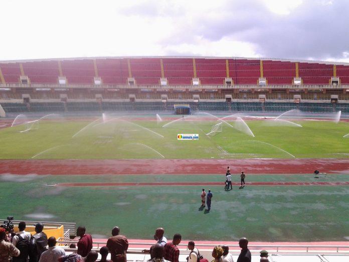 Dans l'enceinte du stade de Nongo