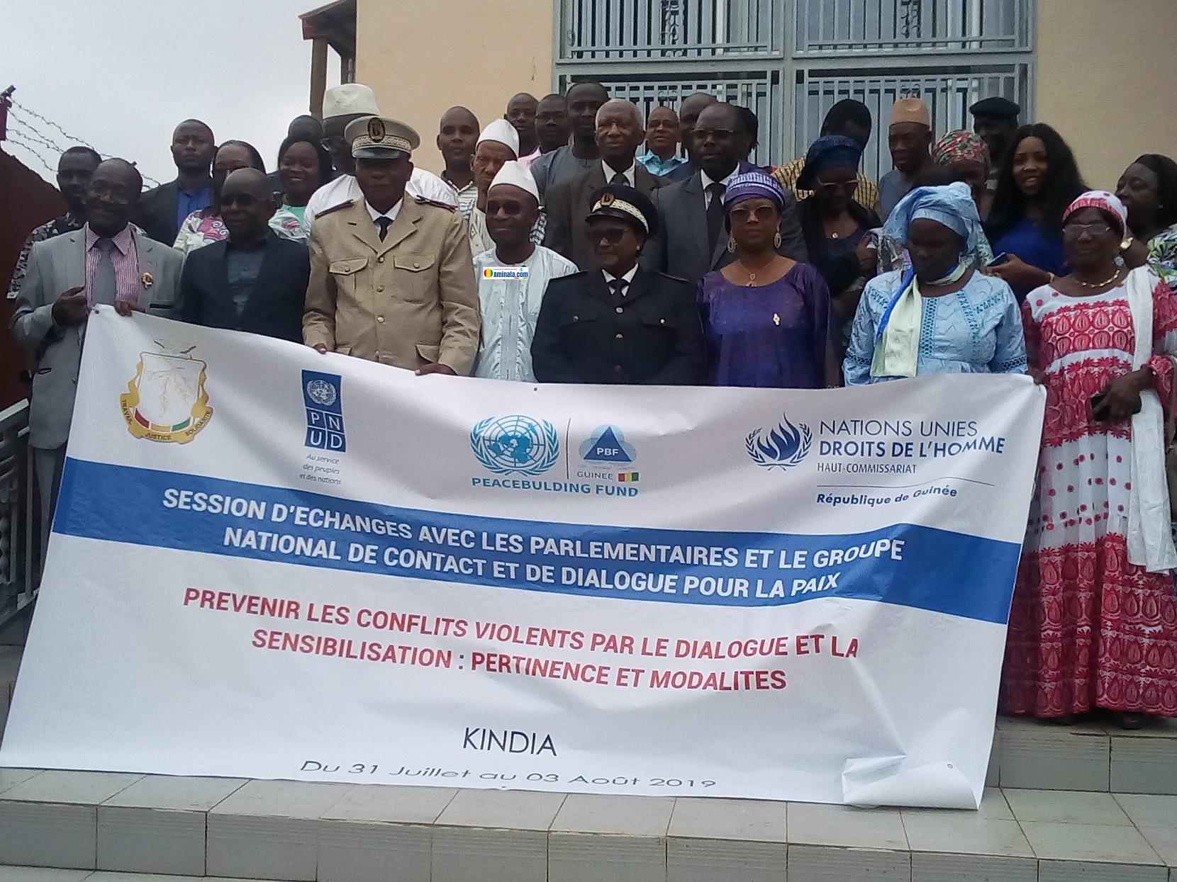 Des participants à la session d'échanges sur la prévention des conflits