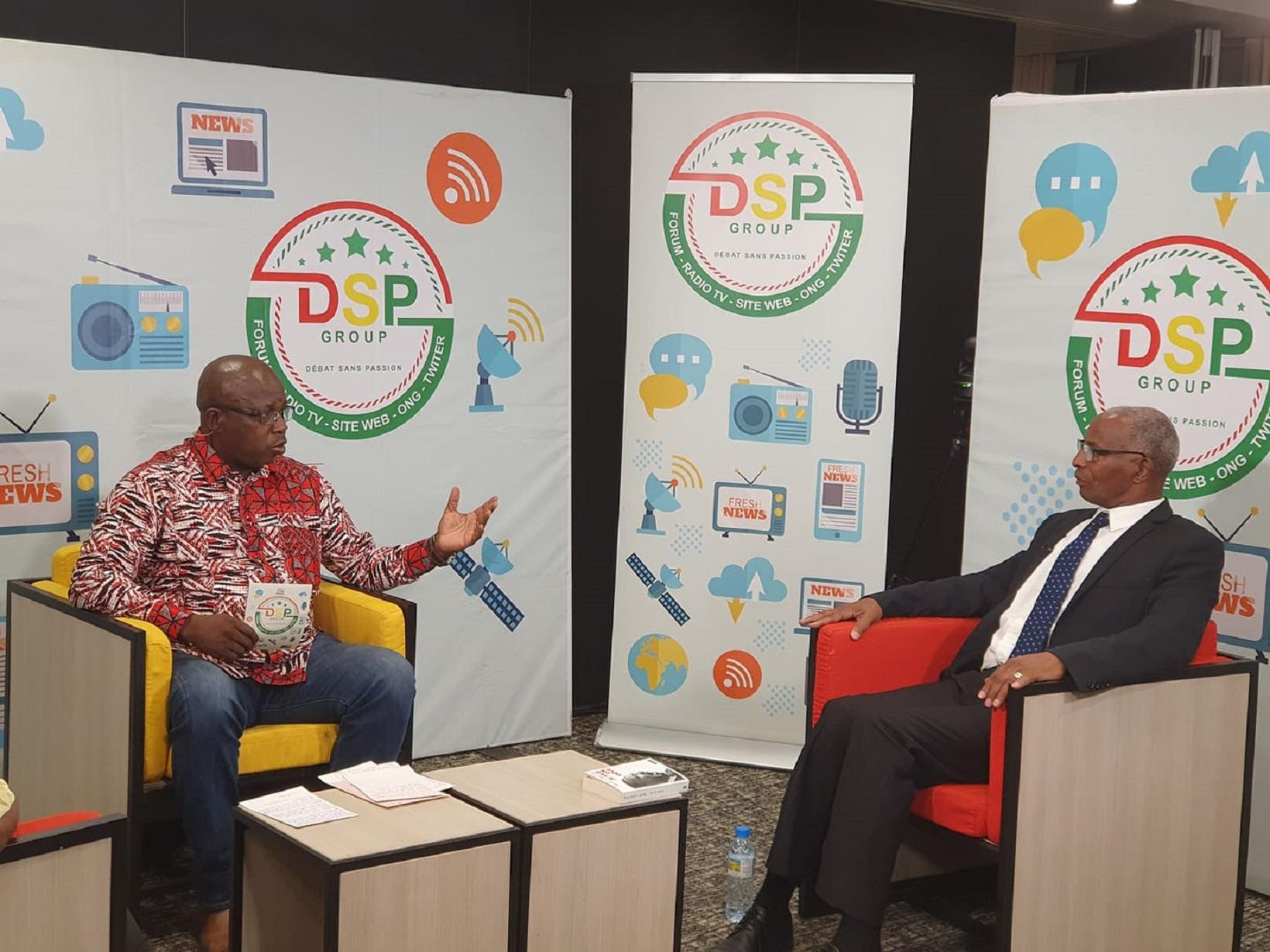 Lors de l'enregistrement de l'émission Entretiens avec Lucien Guilao qui recevait Bah Oury, nouveau président de l'UDD