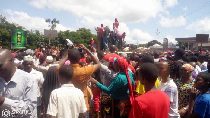 Des citoyens manifestent contre le 3e mandat à Labé