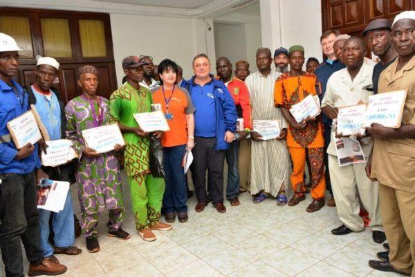 Remise de 100 millions aux communautés villageoises de Fria