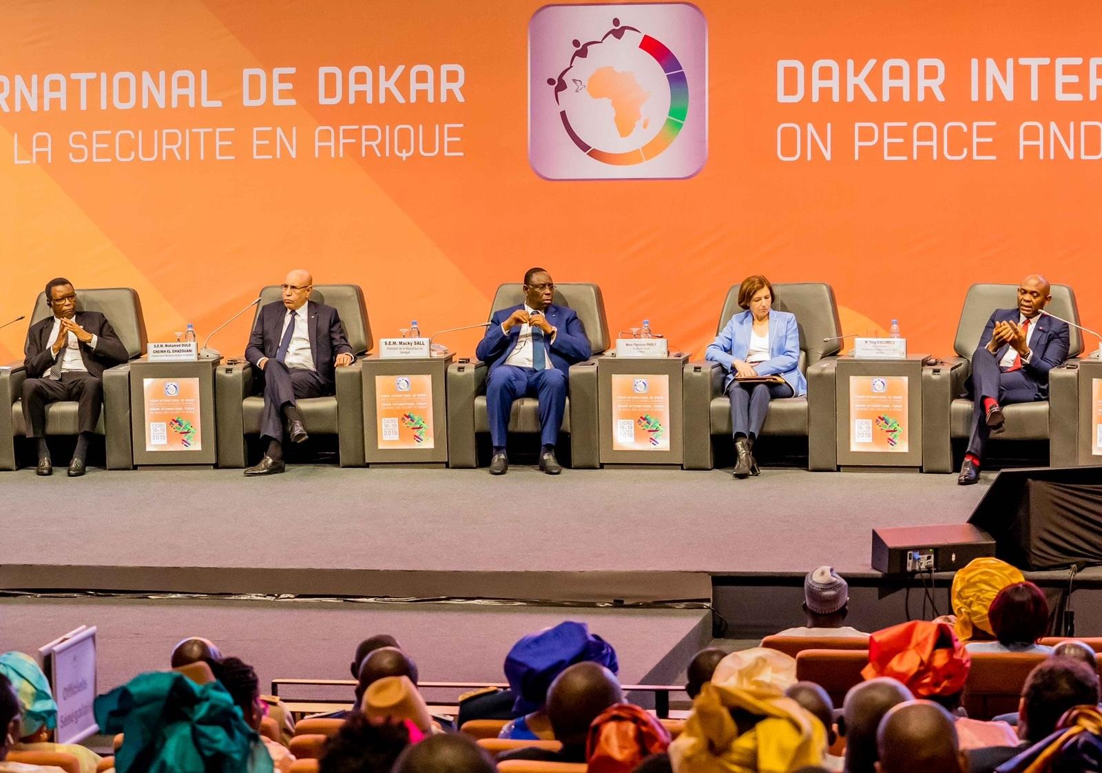Tony Elumelu, Président de Tony Elumelu Foundation et Président du Groupe United Bank for Africa (UBA)); lors d'un Panel de haut-niveau sur la paix et la sécurité en Afrique au Forum international de Dakar