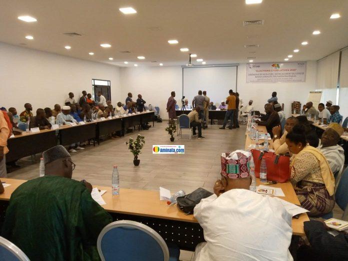 Des partis politiques signent le code de bonne conduite avec l'appui de NDI