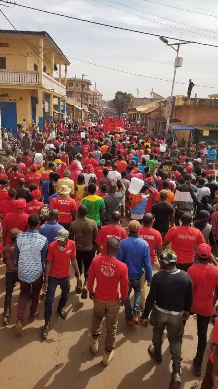 Forte mobilisation des partisans du Front national pour la défense de la constitution à Labé (FNDC) [Credit photo Sally Bilal Sow]