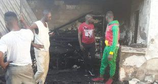 Un magasin ravagé par un incendie au marché d'Enta