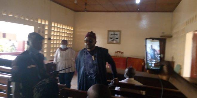 Oumar Sylla alias Foniké Mengué dans la salle d'audience du Tribunal de première instance de Mafanco