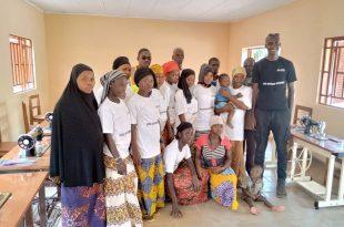 Des membres de l'Association des Jeunes Couturiers de Guilléré