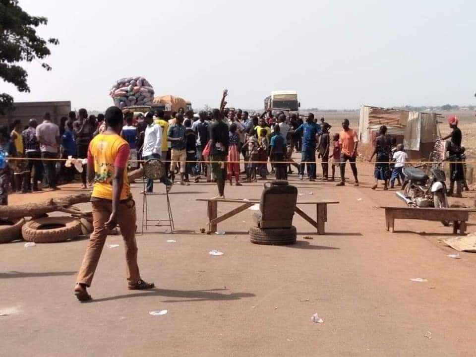 Des jeunes en colère règnent en maîtres dans les rues de Siguiri